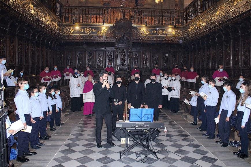 El coro Pedro Mena, de Adra; y el coro del Seminario Diocesano.