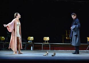 Photo: WIEN/ Theater in der Josefstadt; WIE IM HIMMEL von Kay Pollack, Inszenierung Janusz Kica. Premiere 7.11.2013. Sona Mac Donald, Michael Dangl  Foto: Barbara Zeininger.