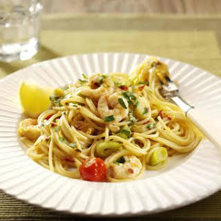 Pasta With Leeks, Chilli And Prawns.