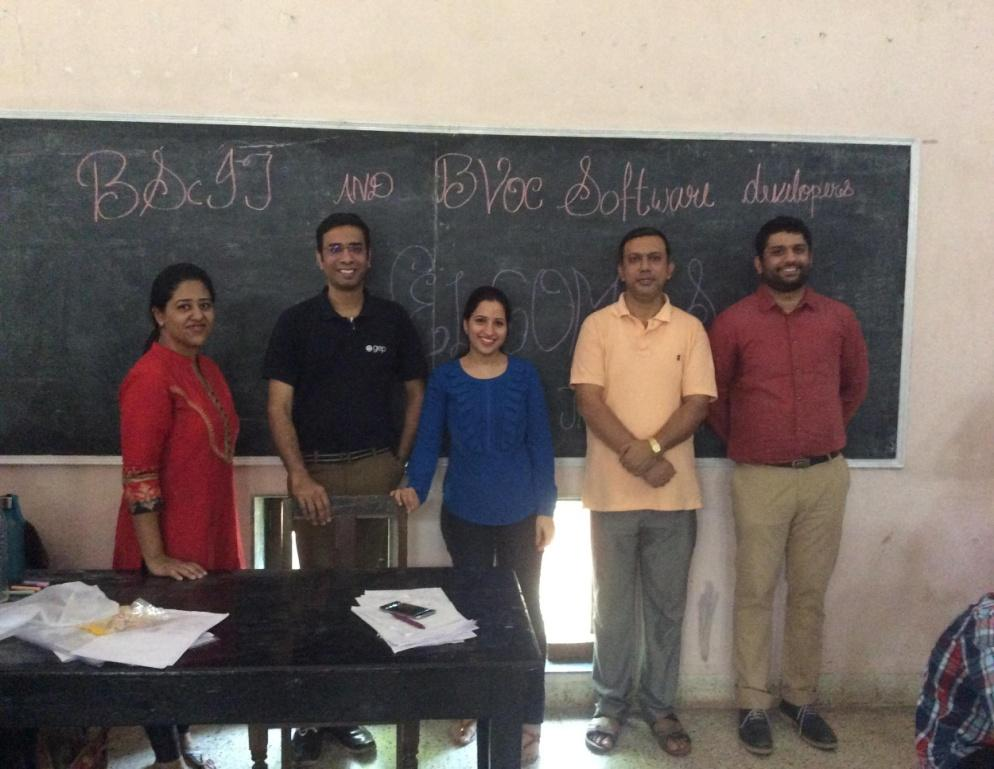 C:\Users\user\Downloads\khandala_pics\FYBScIT Khandala seminar (3).JPG