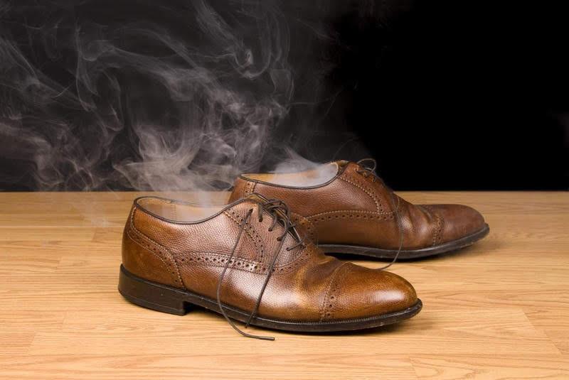 Cách trị hôi chân khi đi giày hiệu quả vào mùa hè