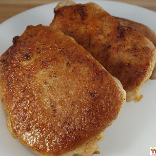 Juicy Pan Seared Garlic & Paprika Pork Chops Recipe