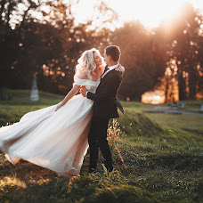 Wedding photographer Volodimir Kovalishin (nla6ep). Photo of 07.10.2018
