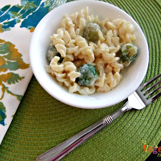 Mac and Cheese with Brussels – #glutenfree #vegan.