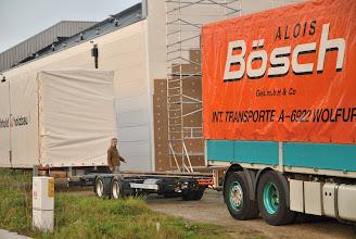 Photo: © ervanofoto 24-10-2012 Ziezo, de wisselbak is gelost, de aanhanger is terug vrij.