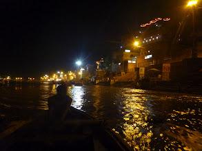 Photo: Z projížďky se vracíme až za tmy (také díky silnému proudu, který jsme našemu průvodci vůbec nezáviděli).