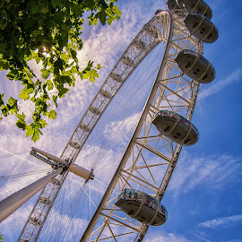 The London Eye by Graeme Hunter - Buildings & Architecture Bridges & Suspended Structures