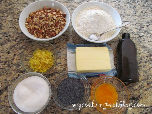 Бисквити с лимон, маково семе и бадеми - продукти