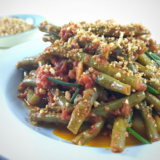 Slow Cooked Green Beans with an Almond Crumb