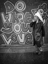 Photo: do what you love...  #street #streetphotography #shootthestreet #blackandwhite #blackandwhitephotography #bw #monochrome