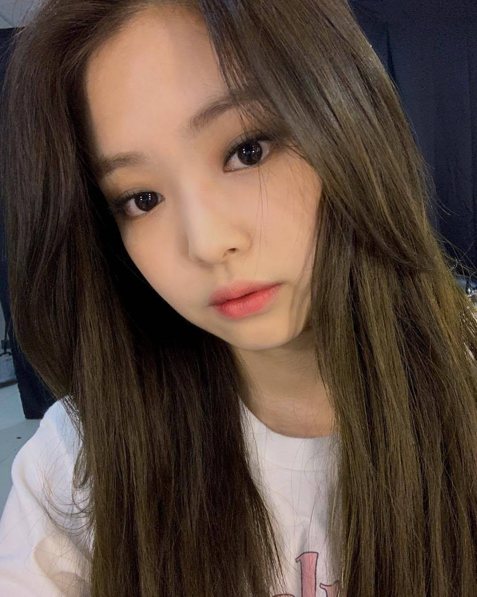 jennie deleted selfie 1
