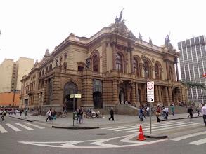 Photo: Theatro Municipal - Praça Ramos de Azevedo, São Paulo