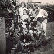 Photo: VCJC kamp Appelscha 1961 Huis- tuin- en keuken orkest Vooraan Gé Wessels en Lute Enting Midden Hennie Mennega Azn. en Hendrik Jan Zandvoort Bovenste rij: Egbert Rijnberg ?? ??  Harm Jan Lanjouw en Janny Kruit