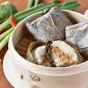 Steamed Sticky Rice in Lotus Leaf (pork)