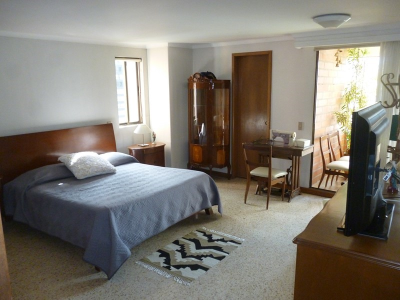apartamento en arriendo castropol 679-20078