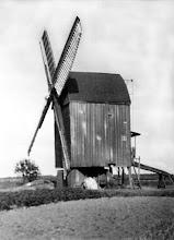 Photo: Die letzte Emmerstedter Windmühle, abgebrochen 1934.