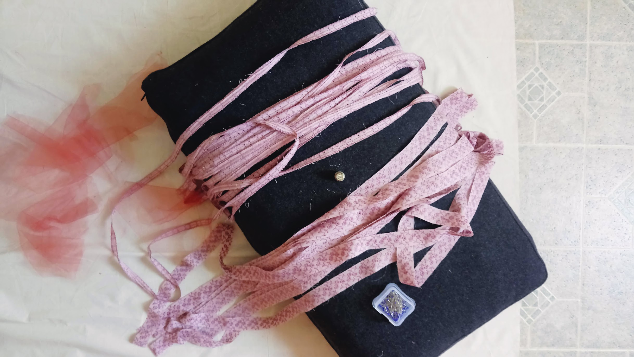 Eyelet Ribbon Sets In-Progress: Bubblegum Dreaming Cage Dress - DIY Fashion Garment   fafafoom.com