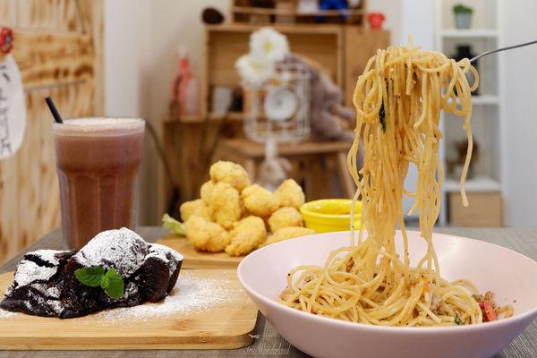 Green Bunny 內科周邊創意料理,使用全天然食材讓你吃美食也吃得安心!還是間親子、寵物友善餐廳來著!