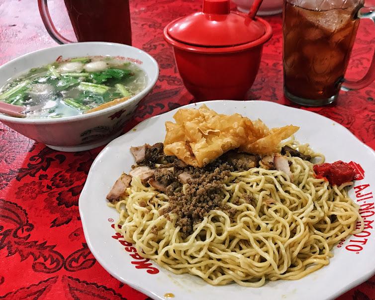 Kuliner Jambi Mie Pangsit Enak