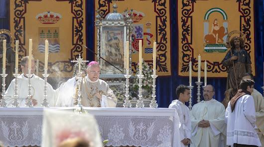 Albox arropa a su Virgen durante la ceremonia de su Patronazgo