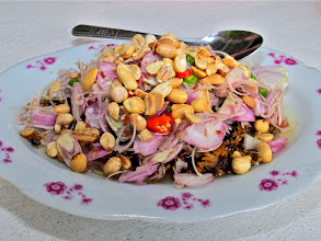 Photo: hot-and-sour baby clam salad