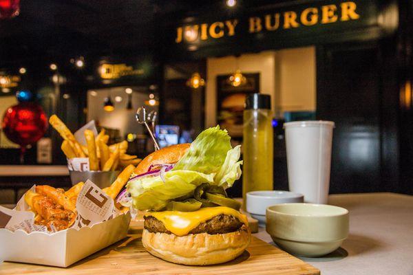 摩斯漢堡 大立前店