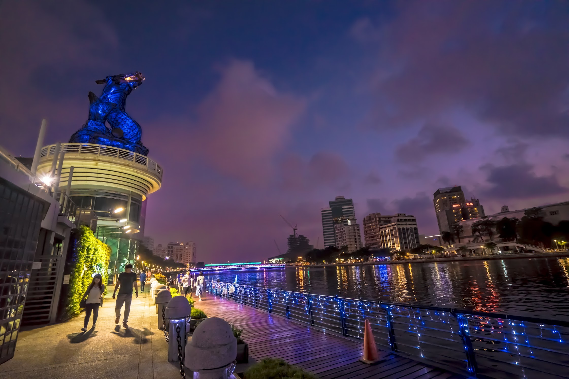 Taiwan Kaohsiung Love River light-up3