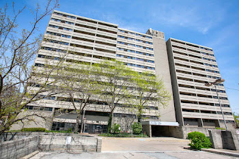 Go to St. Clair Place Apartments website