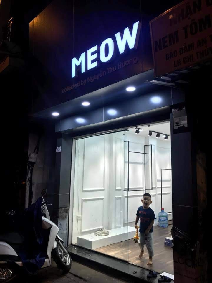 thiết kế shop thời trang nữ meow 5
