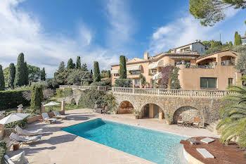Villa 475 m2