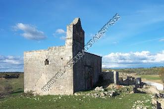 Photo: Una vista desde la falda de La Coronilla ya en precario estado. Todo su alredor en 2010 ha sido vallado como se muestra en la imágenes siguientes.