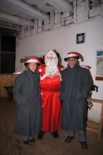 Photo: Le St. Nicolas avec ses aides/Der Samichlaus mit seinen Helfern