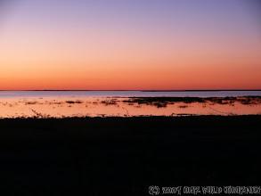 Photo: Západ slunce nad solnou pánví / Sunset over salt lake Etosha