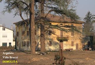 Photo: Argelato, via Centese, a fronte della chiesa parrocchiale. Demolita