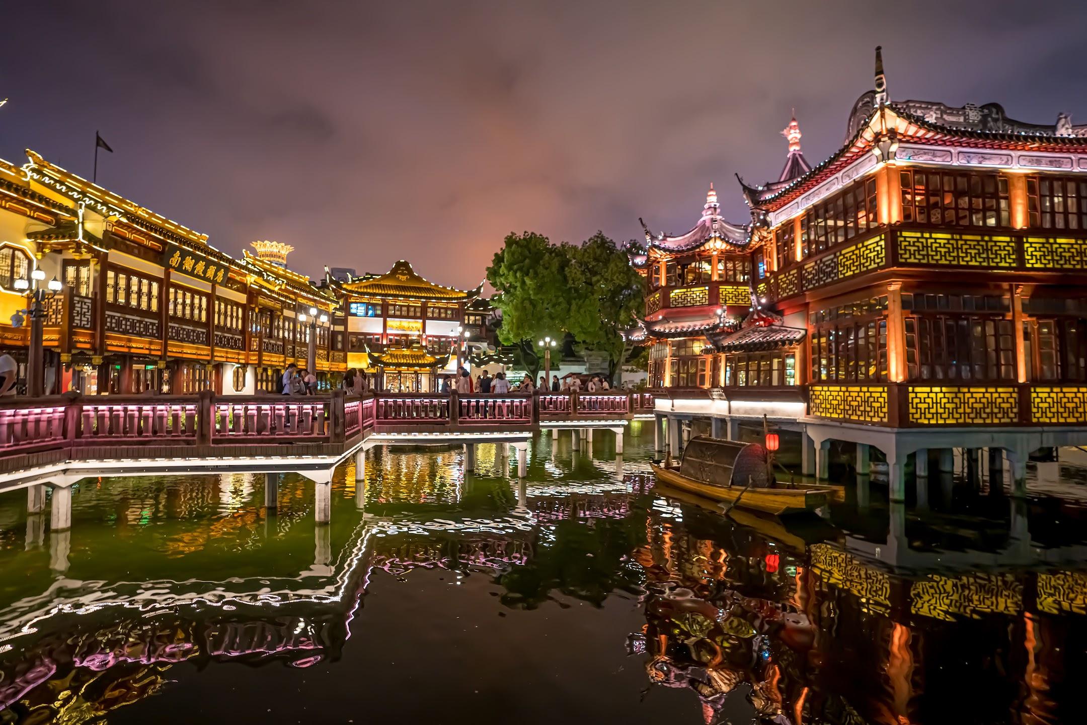 上海 豫園 湖心亭 ライトアップ2