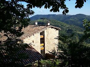 Photo: Façade Ouest du gîte de Chapelèche vue de la châtaigneraie proche.