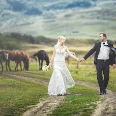 Wedding photographer Igor Tikhonov (TidJ). Photo of 25.04.2014