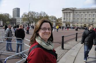 Photo: Look Mom, I'm at Buckingham Palace!