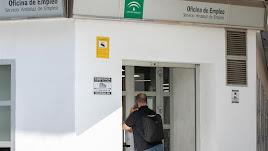 Las oficinas del SAE gestionan las demandas de empleo para el Plan AIRE.