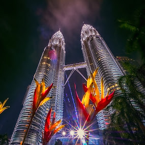 Twin Tower by Tien Sang Kok - City,  Street & Park  Night ( architecture, cityscape, twin tower, kuala lumpur, nightscape, city )