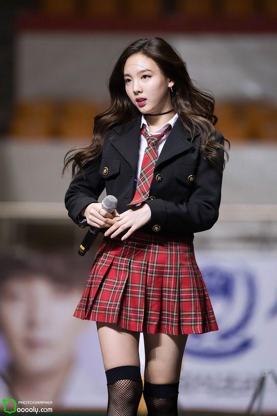nayeon choker 55