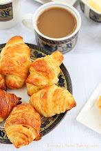 Photo: http://www.roxanashomebaking.com/homemade-croissants-recipe/