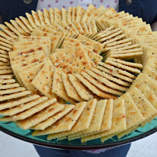 Aunt Looney's Easy Peasy Party Crackers.