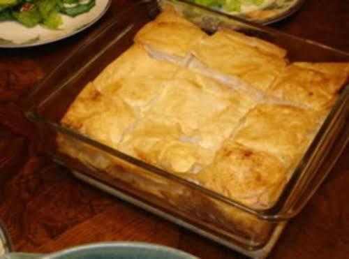 Spinach Pie (Spanakopita Casserole) Everyone will be SUPER impressed when you bring...
