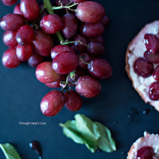 Red Grapes and Blue Cheese Crostini
