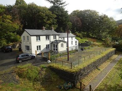Substantial cottage