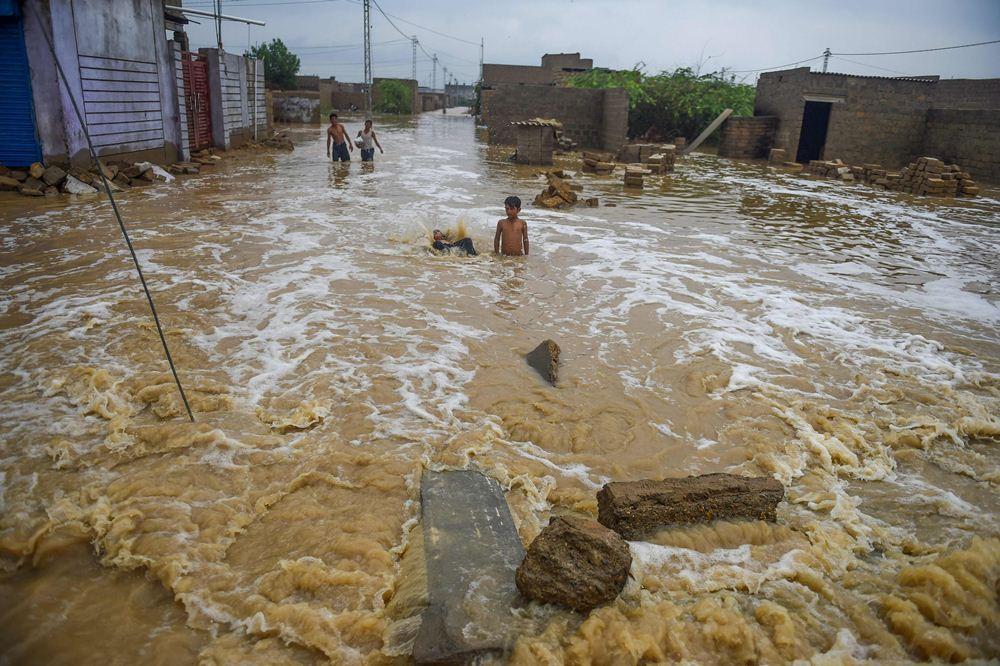 Die dodetal van die Indiese moeson vloede neem toe
