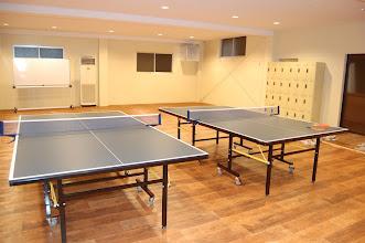Photo: 多目的ホール 卓球台設置して卓球場になります。最大5台。