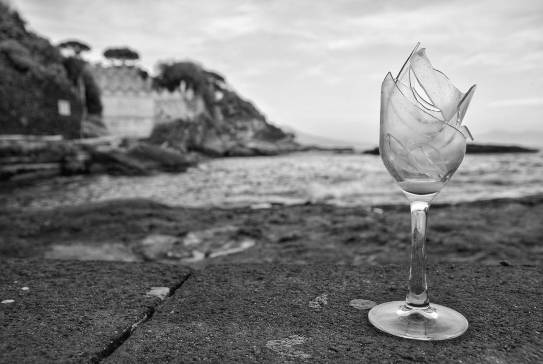 Broken glass di akidelpre