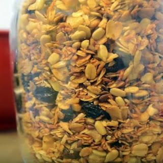 Easy Homemade Granola (Video).